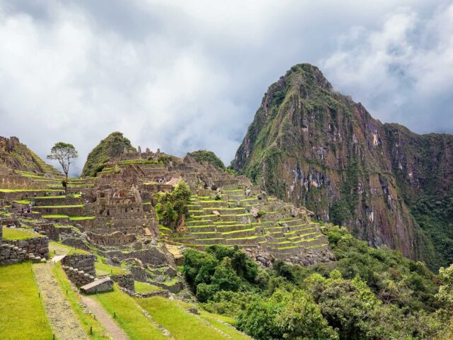Machu Picchu Tour with Rainbow Mountain + Maras Moray –  5 Days