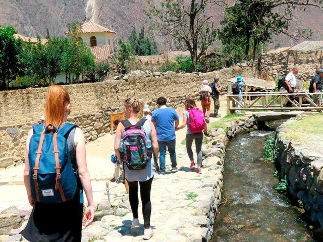 Hiking Pisac Ruins