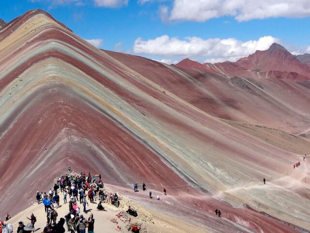 Rainbow Mountain by horse 1 Day